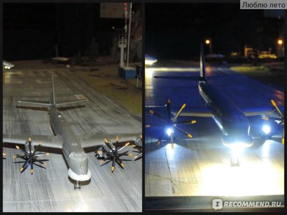 Самолет, вечером и ночью
