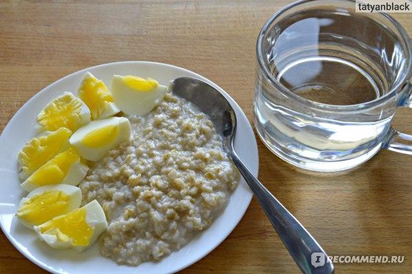 Что я ела на завтрак: овсяная каша на воде и два вареных яйца. Диета №4 по М.И. Певзнеру /Диета №4 отзыв