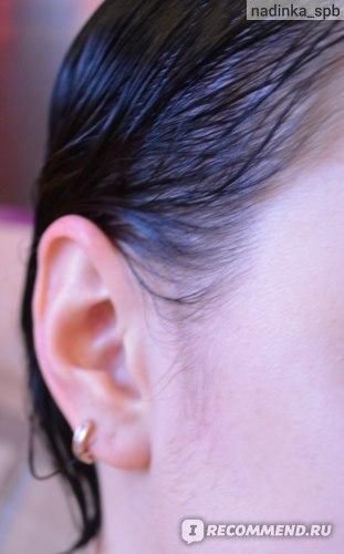 виски не испачкались. наносила крем перед окрашиванием на лоб. уши хорошо отчистились мицеллярной водой
