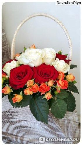 Флористическая композиция из роз