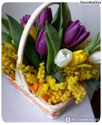 Готовая флористическая композиция из тюльпанов