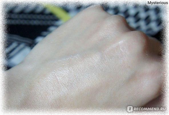 Ананасовое Масло LA ONG BY DAO - Нанесено на кожу