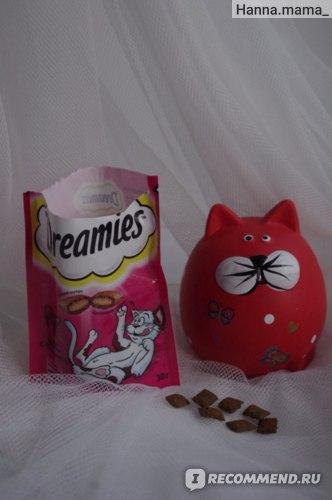 Лакомство Dreamies для кошек фото