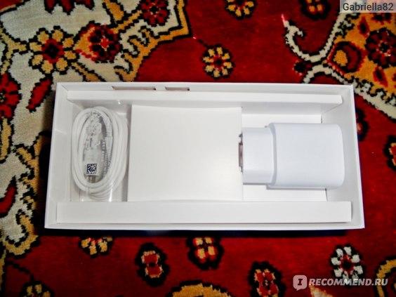Мобильный телефон Samsung Galaxy A72 фото