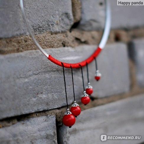 Так бусины крепятся к ожерелью