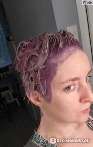 Обратите внимание, что не волосы не должны быть прижаты к голове, а тем более, нельзя надевать на голову плёнку/шапочку из фольги