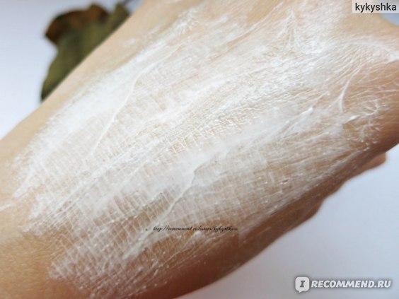 Маска-скраб Чистая линия Косметическое средство 5 в 1 Идеальная кожа: СКРАБИРУЮЩИЕ ЧАСТИЧКИ