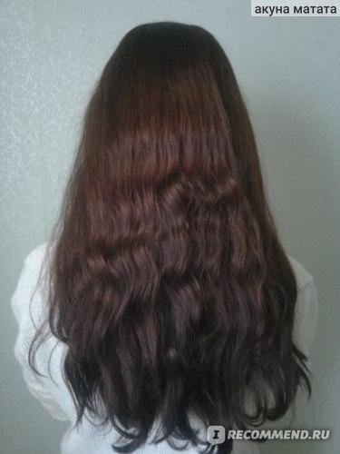 Волосы высушены естественным путем.