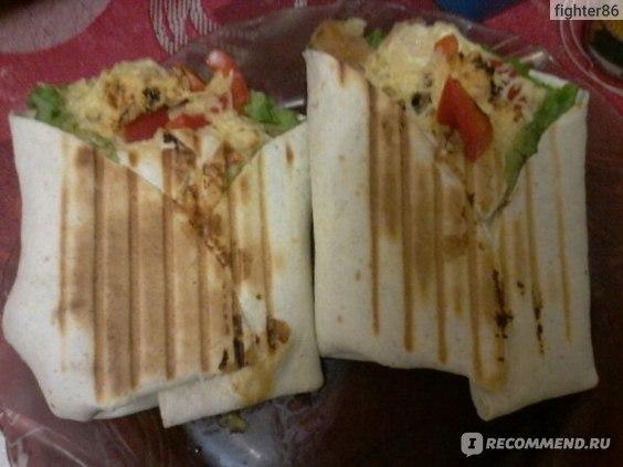 Сэндвичи с колбасой и сыром в мультипекаре - рецепт пошаговый с фото