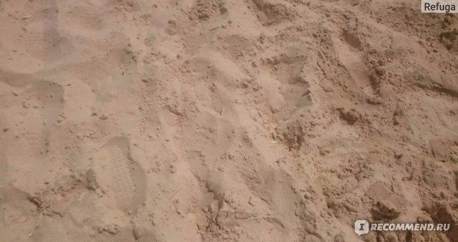 песок получился темным. На самом деле он гораздо светлее