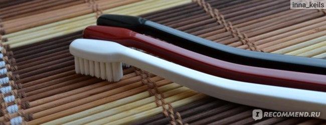 Зубная щетка Swissdent Profi Whitening фото