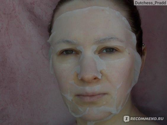 Тканевая маска для лица Bonnyhill Coconut moisturizing mask pack фото