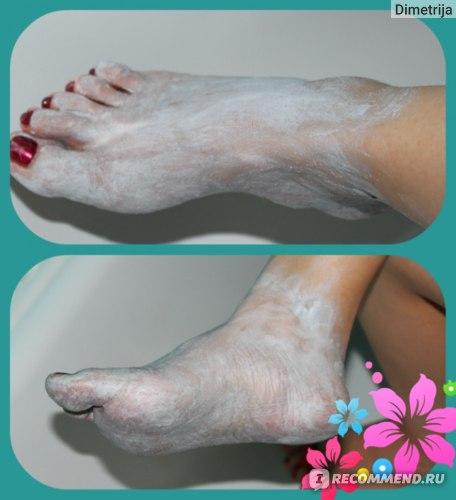 Маска для ног Avon Отшелушивающая с глиной FootWorks фото