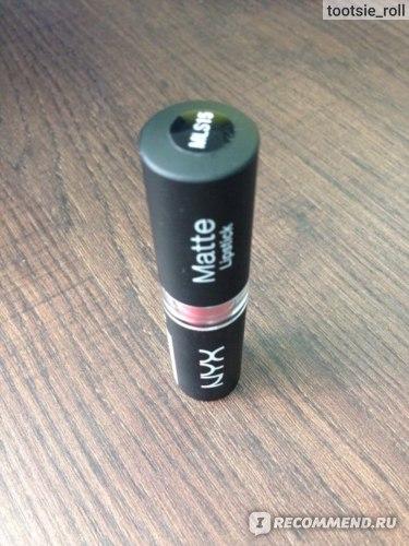 Губная помада NYX Matte Lipstick фото