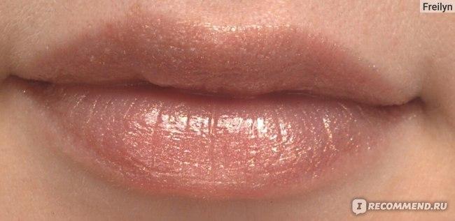 Блеск для губ DIVAGE D`amour 3D-effect фото