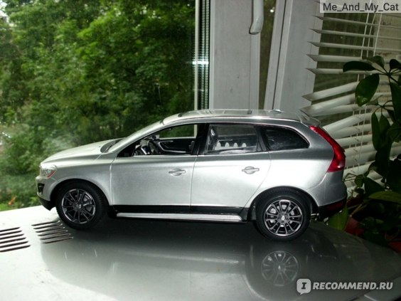Rastar Groupe Машинка радиоуправляемая Volvo XC60 Артикул 27MNz фото