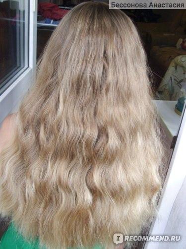 Волосы у меня не вьются, просто я всегда хожу с косой.