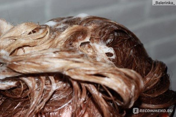 Волосы во время мытья