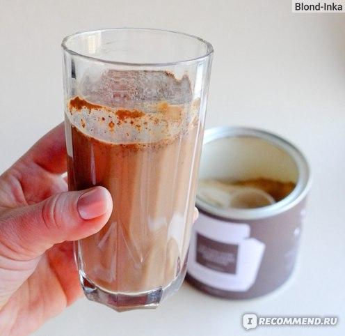 SUPER ELIXIR™ Nourishing Protein в стакане Миндального молока