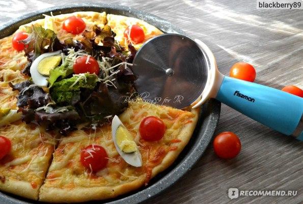 Форма для выпечки пиццы с антипригарным покрытием Fissman. Резак для пиццы Fissman