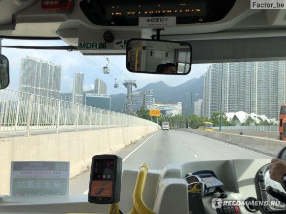 После приезда из Макао едем на автобусе в Tung Chung