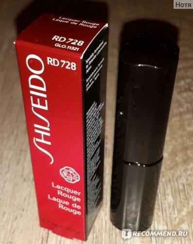 """Помада-блеск Shiseido """"Lacquer Rouge""""  фото"""