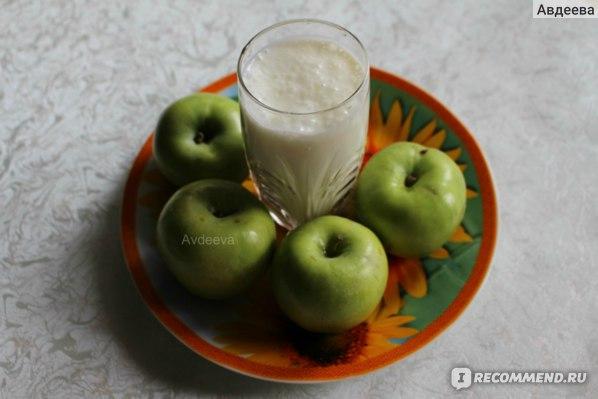 Пример завтрака: фрукты + кефир/йогурт/творог