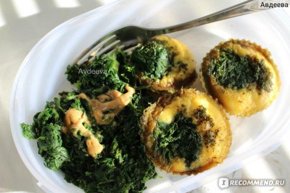 Пример завтрака/обеда: яйца со шпинатом (запекала в духовке в силиконовых формах)
