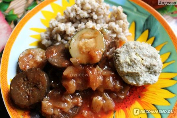Пример обеда: перловка, рыбная котлета из хека, тушеные овощи