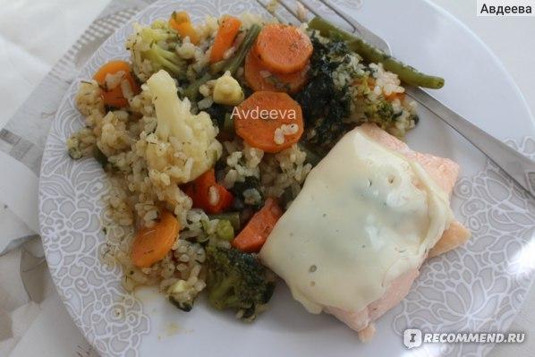 Пример обеда: тушеные овощи, лосось под сыром