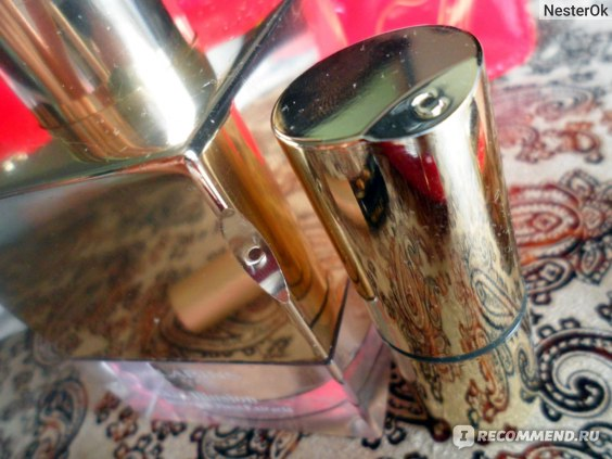 Губная помада Clarins Joli Rouge фото