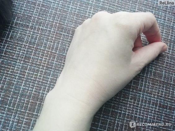 Увлажняющий крем для лица Dr Botanicals Hemp Infused Natural Nutrition Moisturiser фото