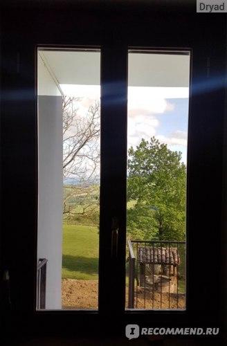 окно с зеркальной тонированной пленкой