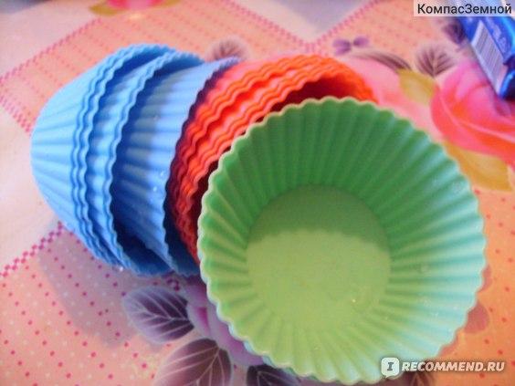 Силиконовая форма для выпечки  FixPrice   для кексов/маффинов  фото
