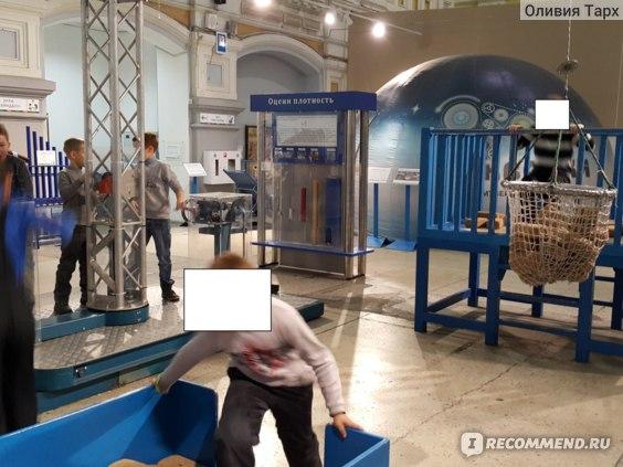 """Музей """"Кварки"""": игры с подъемным краном"""