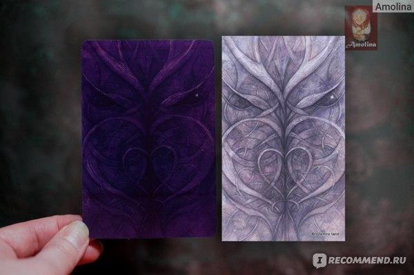 оригинальная рубашка карт справа и ее вариант в русифицированной версии