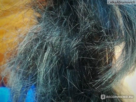 ВИД пористых и окрашенных волос. ТАКИМИ ОНИ ВЫГЛЯДЯТ ПРИ ПОВЫШЕННОЙ ВЛАЖНОСТИ ВОЗДУХА, ВБЛИЗИ РУКИ ИЛЬ У МОРЯ-ОКЕАНА