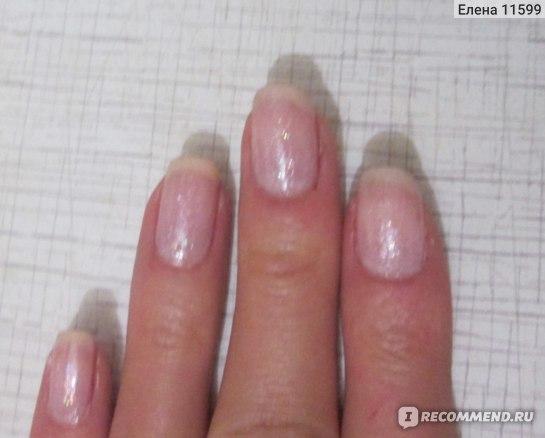 Лак на ногтях в три слоя с верхним прозрачным четвертым слоем лака