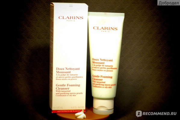 Очищающий мусс Clarins Gentle Foaming Cleanser with Tamarind and Purifying Micro-Pearls фото
