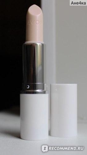 Бальзам для губ Avon с легким оттенком фото