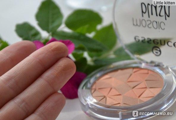 Румяна Essence Mosaic blush фото