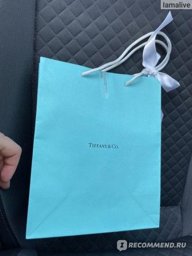Знаменитый голубой пакет от Tiffany & Co