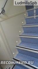 лестница на второй этаж около туалетов