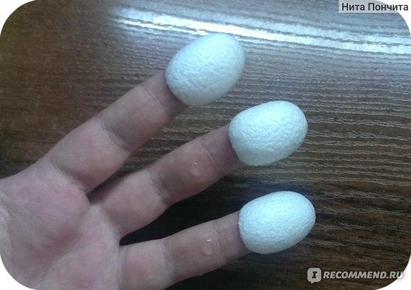 Коконы тутового шелкопряда фото