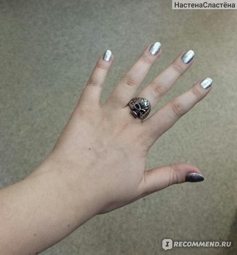 """Ювелирные изделия Okami кольцо из стали с эмалью """"Череп"""" фото"""