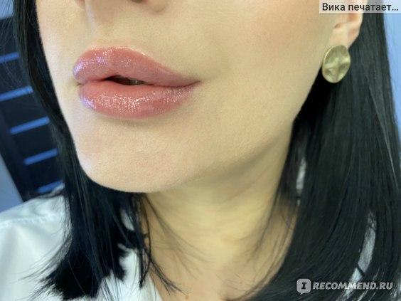 блеск для губ Clarins Natural Lip Perfector стойкость