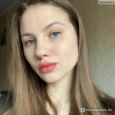 Матовый бальзам для губ Clarins Velvet Lip Perfector фото