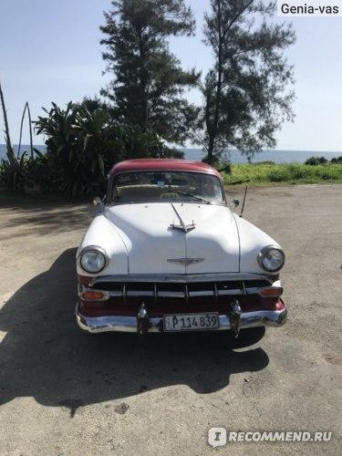 американский ретро автомобиль 50-х годов