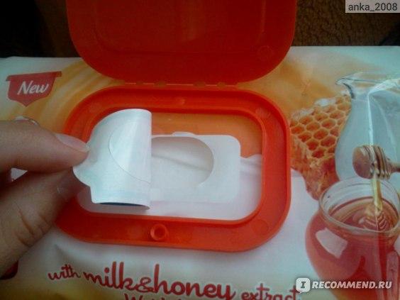 Влажные салфетки Ultra Compact with milk&honey extract фото