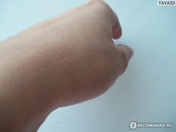Пудра Essence mattifying compact powder фото